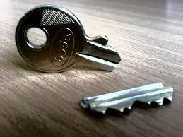 Serrurier pas cher Allauch clefs cassées Allauch